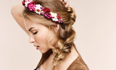 Aussie Beauty Visual Half Up-Do mit Blumenkranz